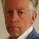Theo Akse schrijft politiethrillers en is lid van ons schrijverscollectief. Hij gaf 25 oktober 2015 tijdens de opening van het jaarlijkse Nederlandse thrillerfestival in het Stadstheater van Zoetermeer, een lezing over zijn tweede boek De Zesde Poort. Meer info op  de auteurspagina